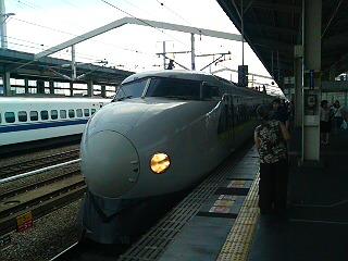 何故か新幹線