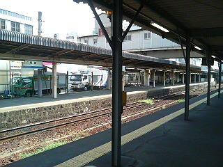 姫新線ホーム