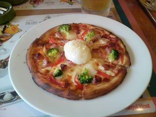 ロイヤルホストのピザ