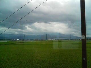 雲間の伊吹山