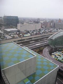 雨の金沢駅