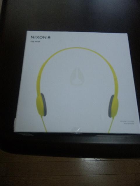 NIXONのヘッドフォン
