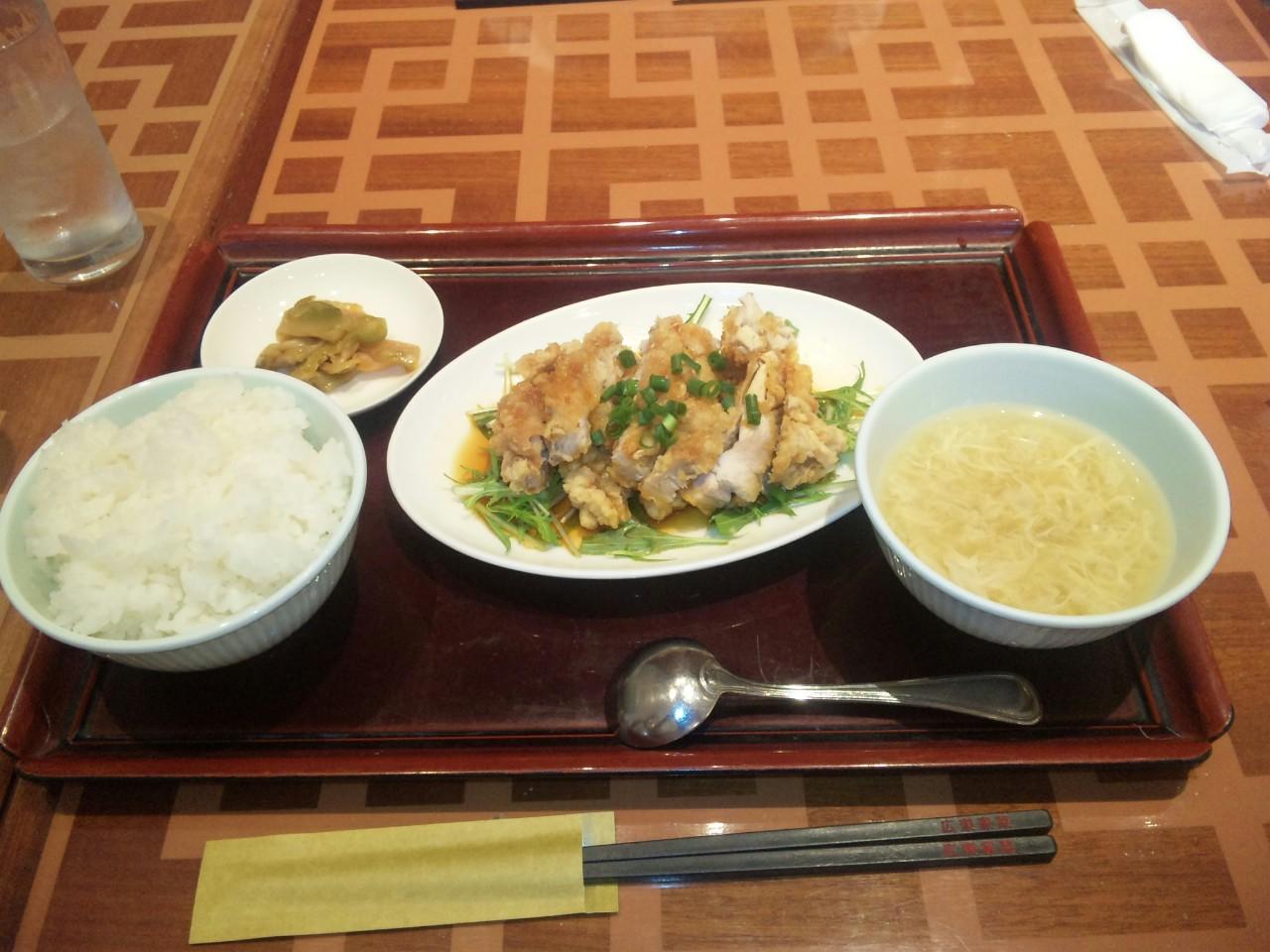 羽田空港で昼飯