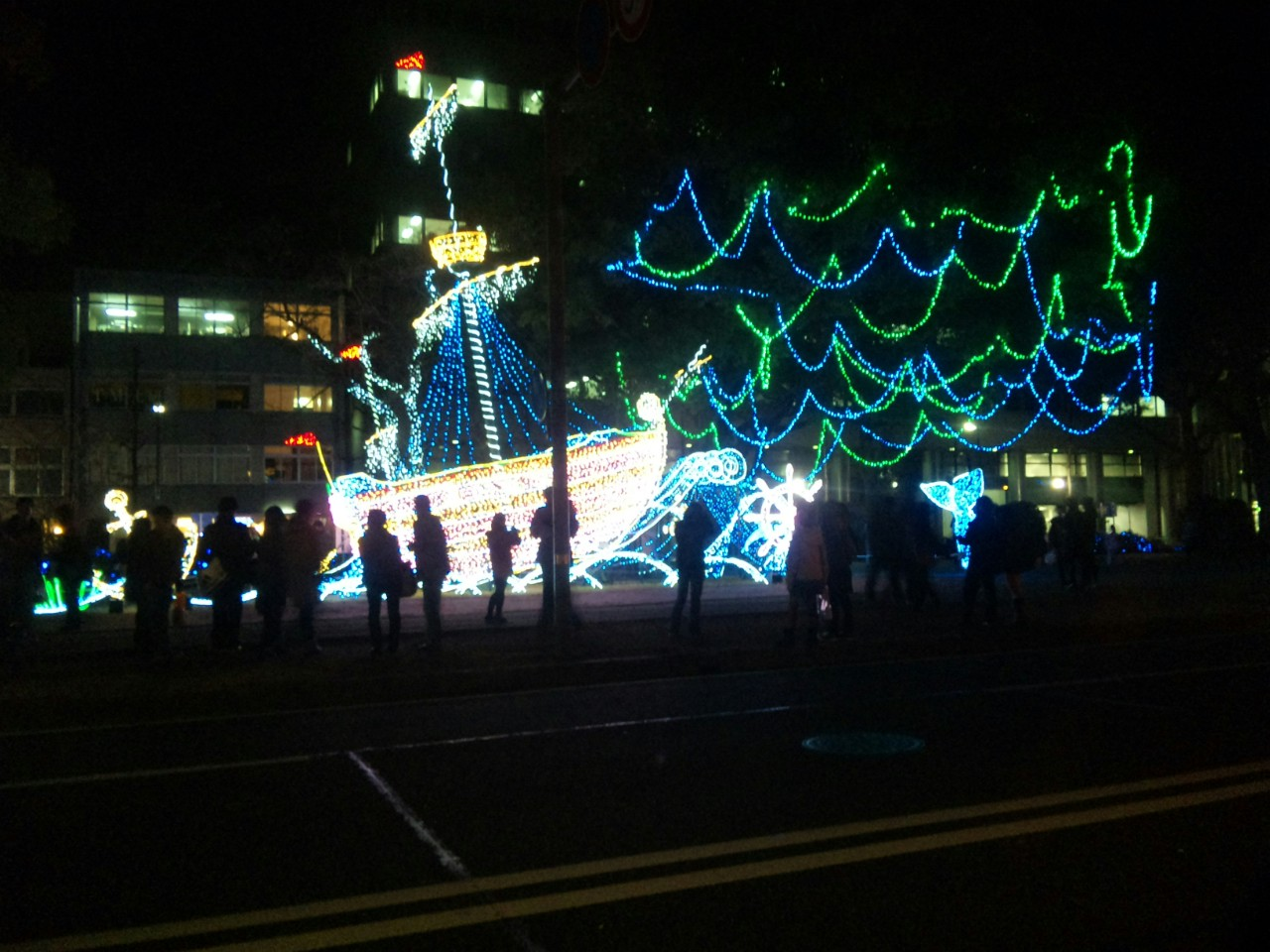 クリスマスの平和大通り