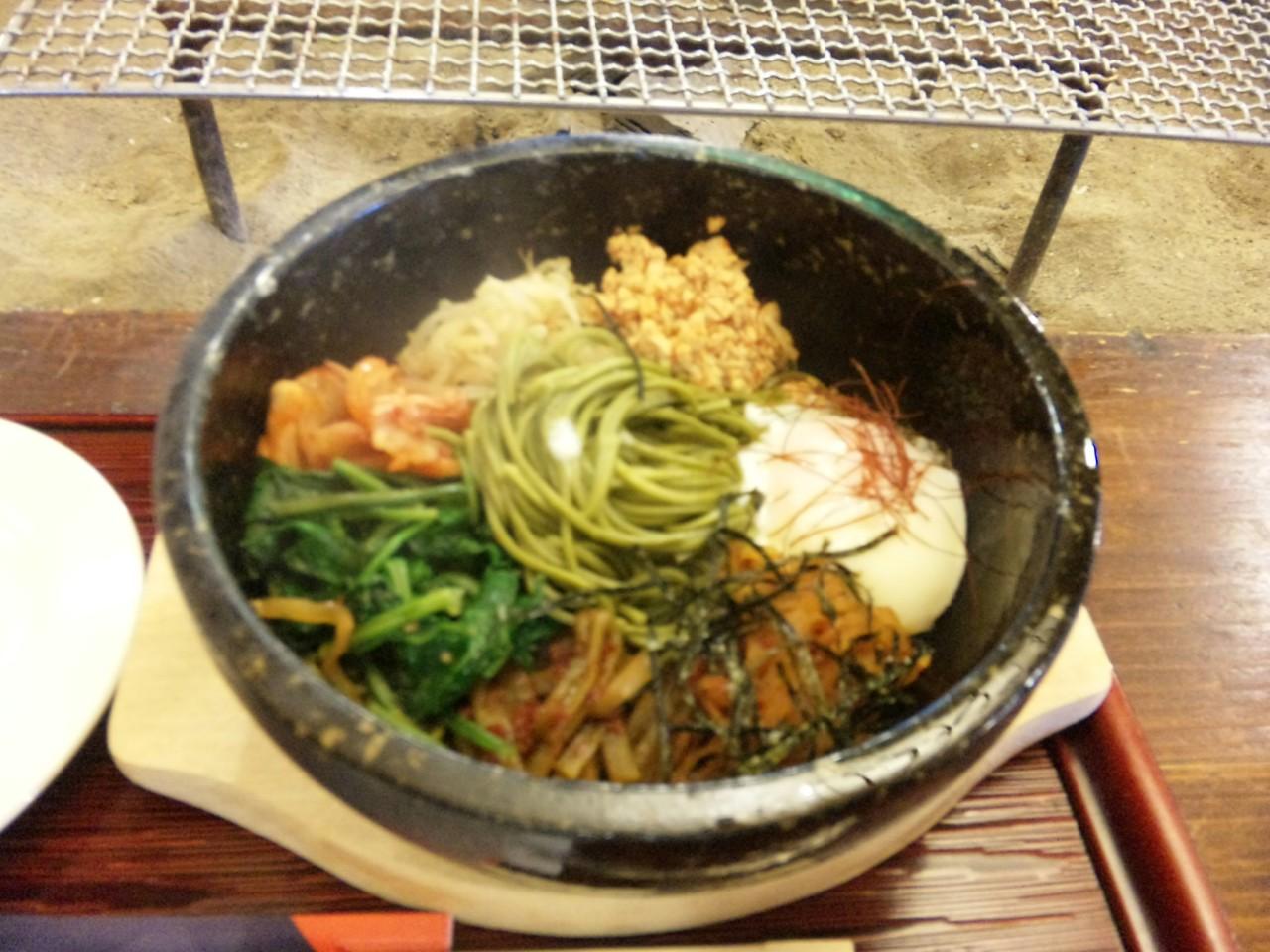 茶そばビビン麺